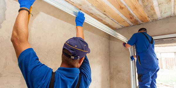 Garage-Door-Installation-&-Repair